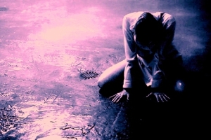 alone-crying-girl-heartbroken-sad-Favim.com-250063